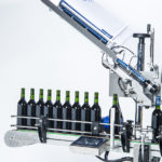 R1000 1500 range, CDA's automatic labelling machine for the wine sector