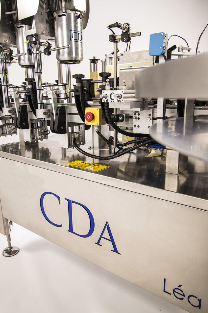 CDA's lea automatic bottle labelling machine